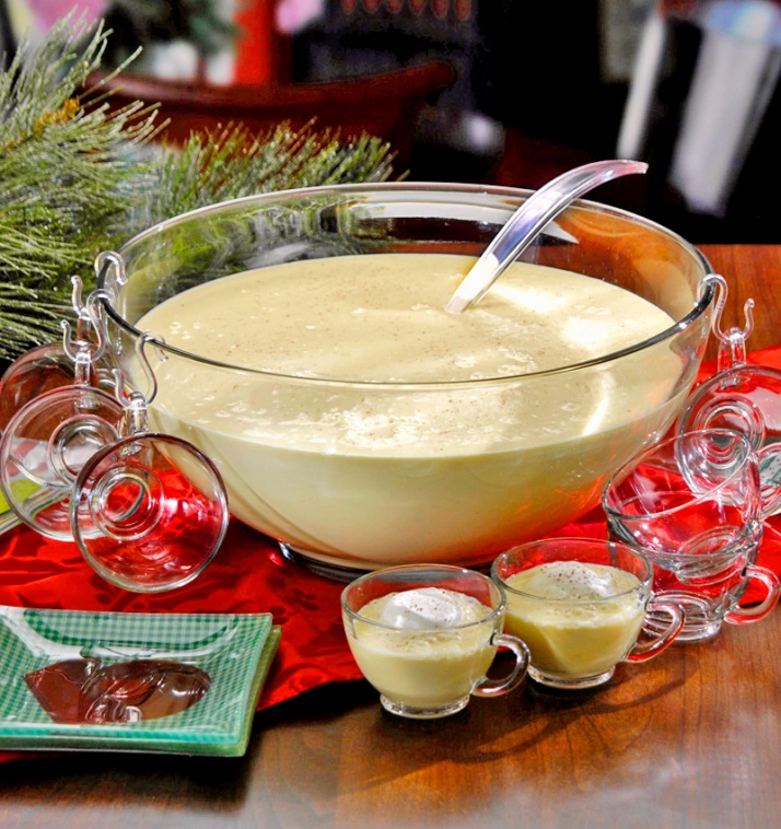 Spiked Eggnog Punch | Harried Housewife Blog