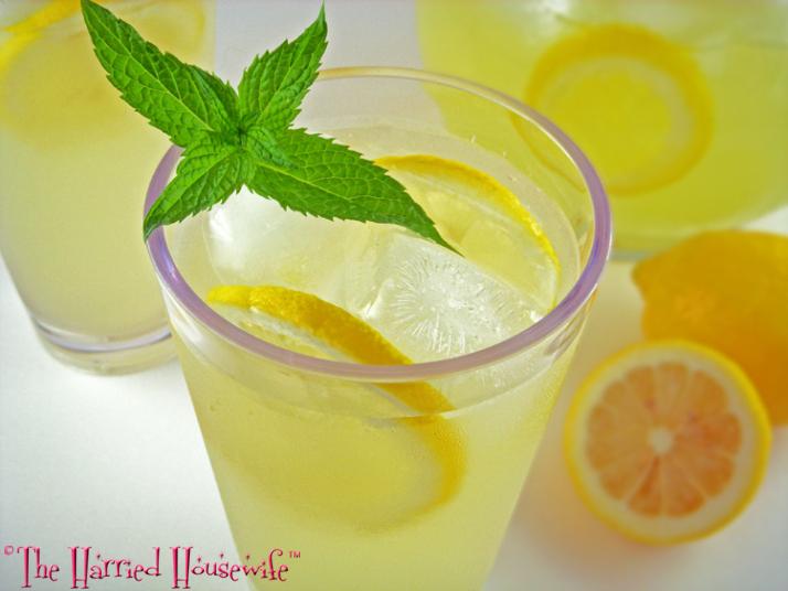 Easy Spiked Lemonade
