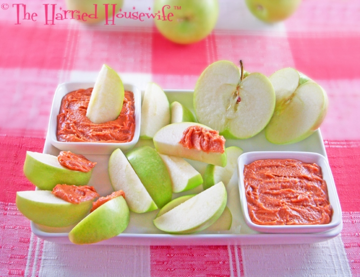Apple Slices with Peanut Butter Dip